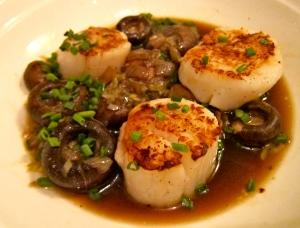 Sea Scallops With Mushrooms